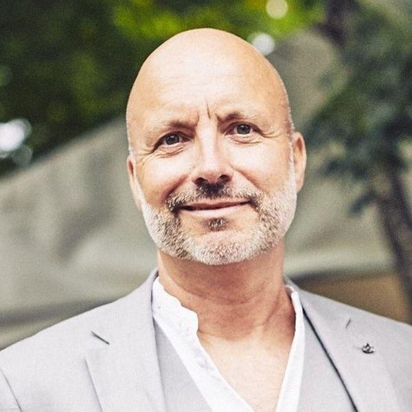 Professor Doktor Bernhart Schwenk